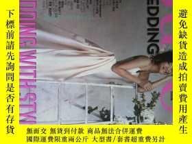 二手書博民逛書店SURE罕見WEDDING 2010 韓語韓文時尚雜誌大8開Y1