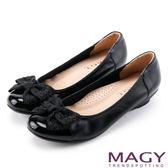 MAGY 甜美新風貌 燙鑽蝴蝶結牛皮楔型低跟鞋-黑色