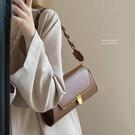 側背包 復古斜挎包包女2021新款潮網紅腋下包小眾設計百搭鏈條小方包【快速出貨八折搶購】