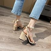 涼鞋2021年新款女夏時尚百搭方頭露趾粗跟珍珠蝴蝶結一字帶高跟鞋3