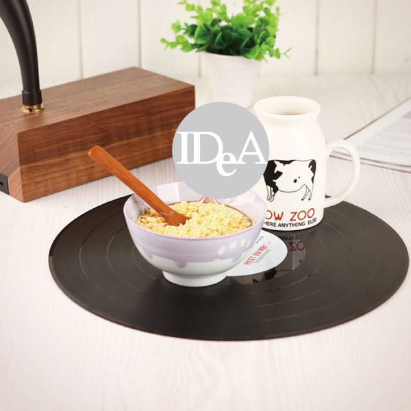 IDEA 黑膠唱片造形桌墊 餐墊 復古 居家用品 仿古 擺件 擺飾 留聲機 唱盤 CD 野餐