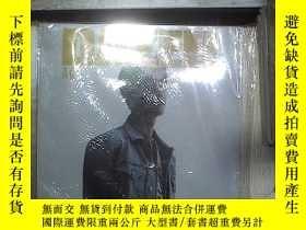 二手書博民逛書店青春罕見DAZED CHINA 2020 MAY(未開封) 。Y180897