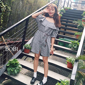露肩洋裝 碎花荷葉邊排釦吊帶洋裝連身裙【MYM352】 BOBI  05/26