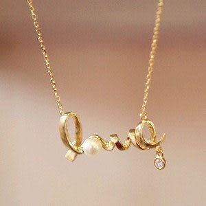 別致LOVE項鏈 金色5g