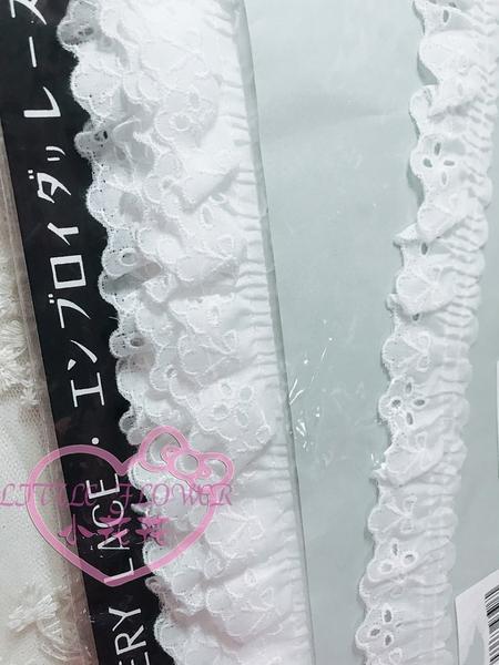 ♥小花花日本精品♥EMBROIDERY LACE 蕾絲邊蕾絲貼條居家布置裝飾桌子椅子牆面日本製33197302