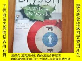 二手書博民逛書店A罕見Walk in the Woods 林中漫步Y12800