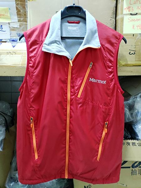 Marmot  Stride 防風薄保暖背心 ( 50760-6278 紅色 ) 女