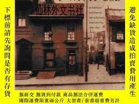 二手書博民逛書店【罕見】2017年出版 Town House: Architec