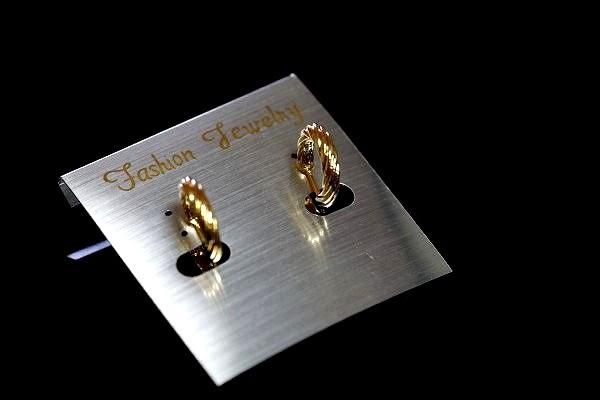 【喨喨飾品】流行耳環 螺絲夾式 璀璨亮麗  S358
