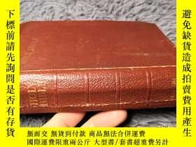 二手書博民逛書店THE罕見HOLY BIBLE CONTAINING THE OLD AND NEW TESTMENTS 後面有幾