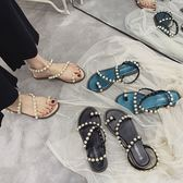涼鞋女夏 珍珠涼鞋女夏季學生平底套趾仙女風蛇形纏繞軟妹沙灘涼鞋 夢藝家