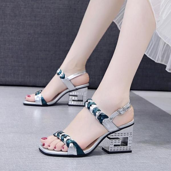 低跟鞋 涼鞋女2021夏季新款女鞋粗跟舒適一字扣仙女風高跟鞋女露趾時裝鞋