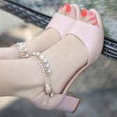 中跟魚嘴涼鞋女一字扣帶串珠大東夏季新款歐美粗跟百搭高跟鞋