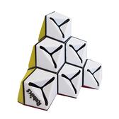 金字塔魔術方塊
