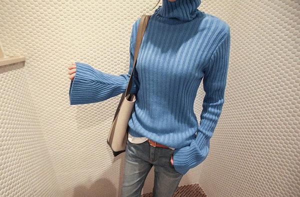 高領T恤 潮流韓風喇叭袖口高領針織上衣 艾爾莎【TGK4560】