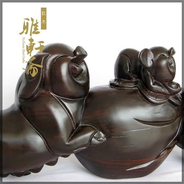 [超豐國際]V木雕豬 紅木工藝品 福豬送財 合家歡擺件 木雕1入