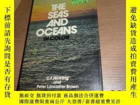 二手書博民逛書店THE罕見SEAS AND OCEANS IN COLORY28