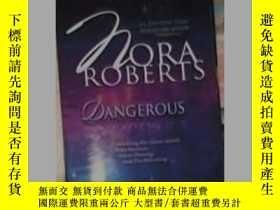 二手書博民逛書店英文原版罕見Dangerous by Nora RobertsY