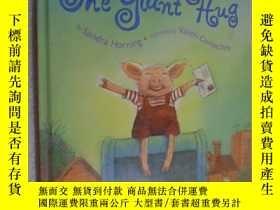 二手書博民逛書店The罕見Giant Hug 英文原版精裝 繪本圖書Y12480
