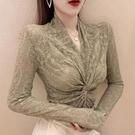 蕾絲上衣 立V領蕾絲打底衫女內搭秋冬緊身小衫高檔性感洋氣鏤空網紗上衣女 維多原創