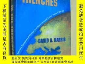 二手書博民逛書店英文原版罕見In the Trenches: Selected Speeches and Writings of