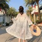 泰國海邊度假沙灘防曬衣女中長款夏季百搭蕾絲鏤空開衫薄款外套潮 依凡卡時尚
