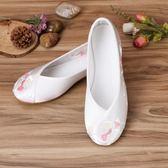 繡花鞋古裝鞋子純白漢服女鞋老北京布鞋民族風圓頭弓鞋配旗袍平底繡花鞋 貝芙莉