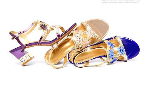 【Sp house】優雅氣質全真羊皮花開水鑽一字扣方跟閃耀涼鞋(金色藍色紫色3色全尺碼)