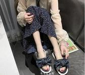 一字拖拖鞋女外穿新款蝴蝶結韓版條紋軟底時尚百搭平底一字涼拖 晴天時尚館