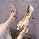 香檳色婚鞋女2021新款高跟婚紗細跟伴娘鞋結婚禮服時尚緞面新娘鞋 快速出貨