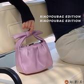 時尚簡約水桶包包褶皺蝴蝶結女斜背包手提包【淘夢屋】