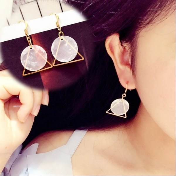 Star 日韓系列 -圓形/三角形貝殼耳環 - D120
