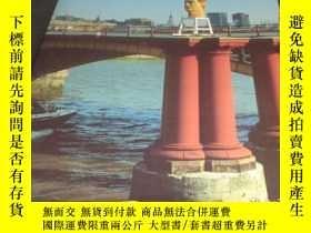 二手書博民逛書店2手英文罕見Stephan Balkenhol: Sculptures 1988-1996 in the Saat