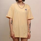 NEW BALANCE NB 短T T恤 刺繡小LOGO 米黃 藍 男 (布魯克林) MT11592PSW