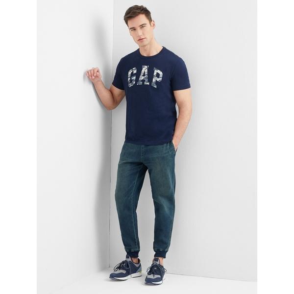 Gap男裝 鬆緊腰彈力男士牛仔褲 休閒束腳長褲男 199476-深色水洗做舊