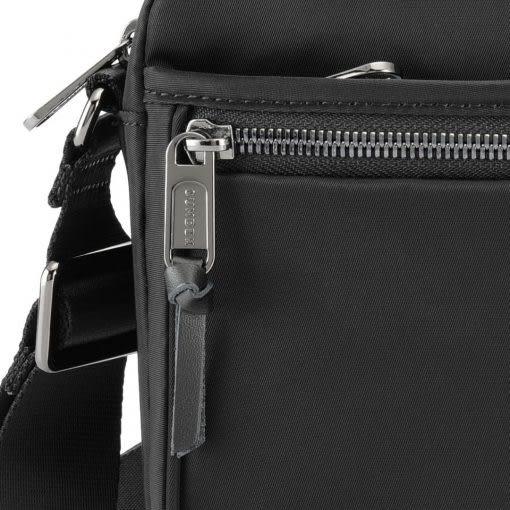 SUMDEX   NOA-606BK都會隨身側肩小包黑色