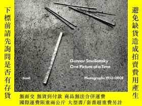 二手書博民逛書店One罕見Picture At A TimeY364682 Gunnar Smoliansky Steidl