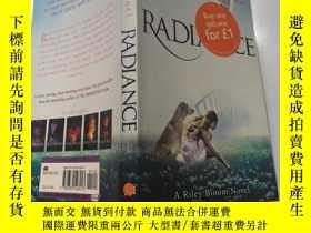 二手書博民逛書店罕見Radiance 光輝Y200392