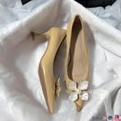 熱賣高跟鞋 森嶼海巷 2021新款法式婚鞋真皮花朵文藝伴娘甜美復古高跟單鞋女【618 狂歡】