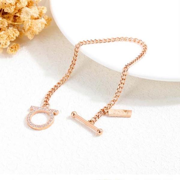 【5折超值價】時尚精美鑲鑽OT扣造型女款鈦鋼手鏈