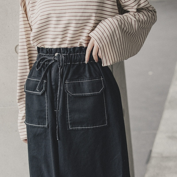 Queen Shop【03020749】車線設計抽繩綁帶雙口袋中長裙 S/M/L*現+預*