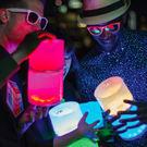 美國LUCI 世界首款 新款太陽能防水手提燈 露營燈 元宵必備燈 可用USB充電 太陽能神燈-變色款