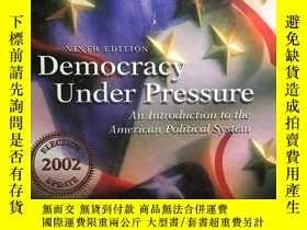 二手書博民逛書店英文原版:Democracy罕見under pressure 第九版Y318641 Milton C.Cumm
