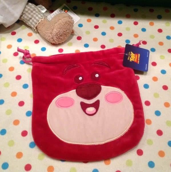 【發現。好貨】Disney玩具總動員 最愛熊抱哥 草莓熊 束口包 數位相機包 化妝包 衛生棉包 收納袋