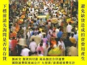 二手書博民逛書店World罕見Regions In Global Context: Peoples Places And Envi