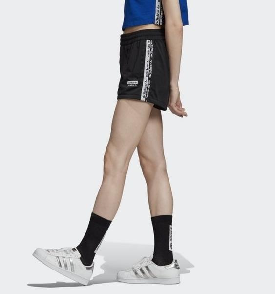 ISNEAKERS Adidas Tape Shorts 女款 運動短褲 休閒短褲  三葉草 黑色 運動褲 EC0768