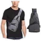 單肩側背胸包 USB孔 斜背包 側帆布包...