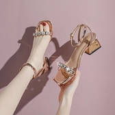 涼鞋女夏仙女風年時裝中跟粗跟水鑚一字帶羅馬高跟鞋