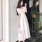 短袖洋裝 白色氣質連身裙女神風收腰顯瘦裙子女夏裝超仙長款短袖v領a字裙潮-Ballet朵朵