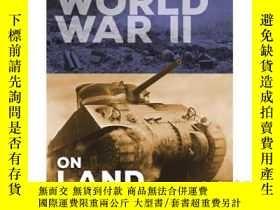 二手書博民逛書店Fighting罕見Forces of World War II